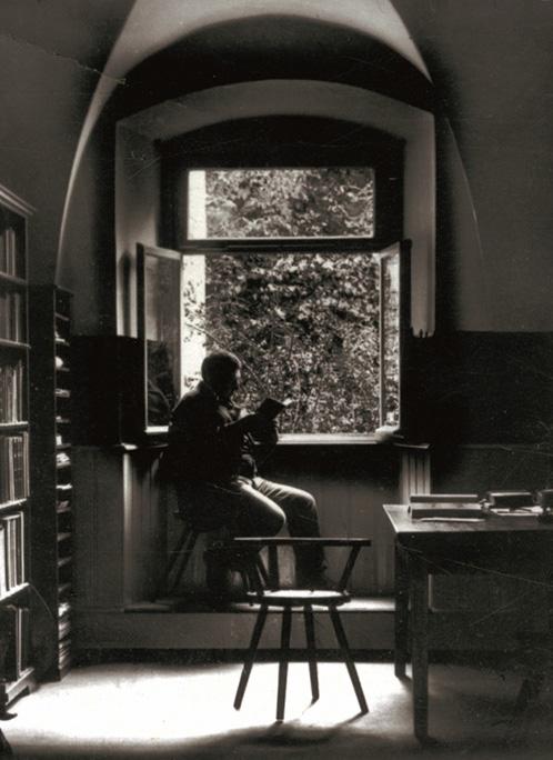 Wilhelm Fraenger im Studierzimmer des Karmeliterkloster Am Friesenberg, um 1913